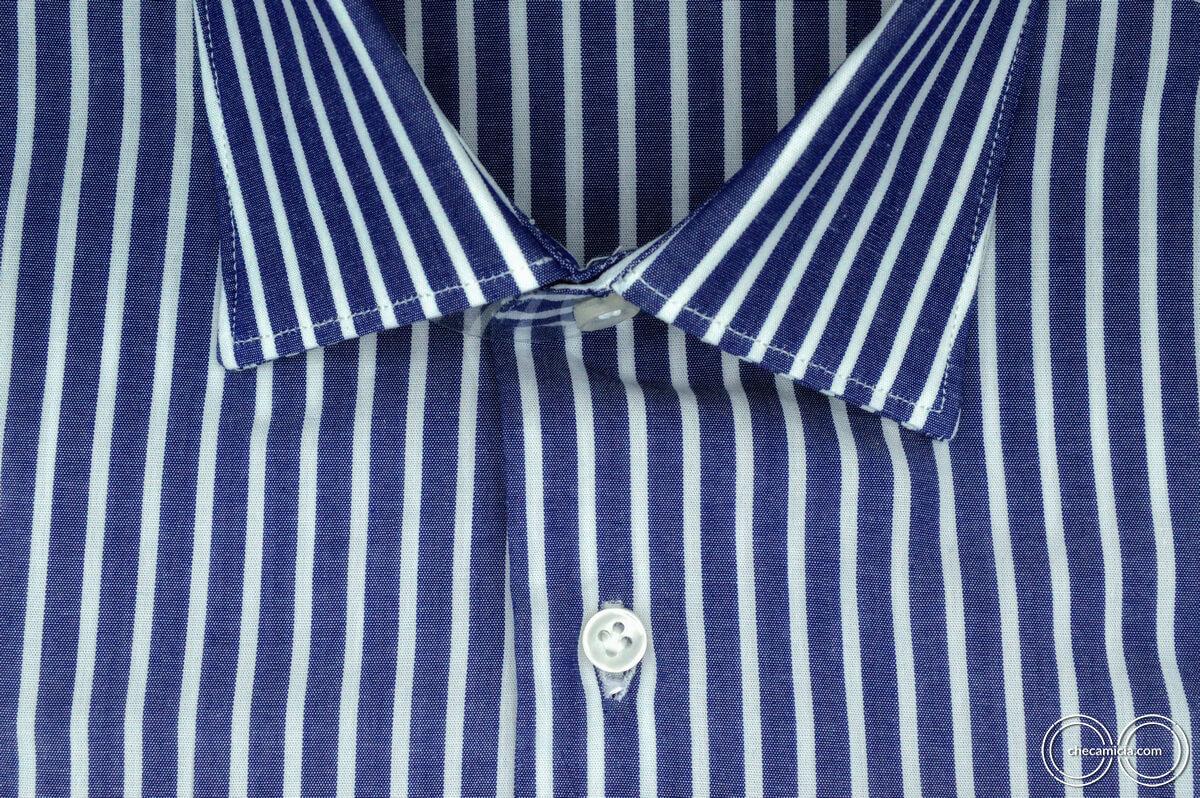 Camicia a righe bianca e blu Calcutta tessuto popeline collo italiano 1