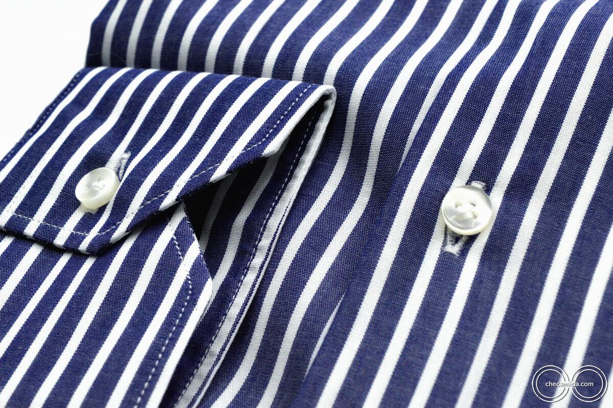 Camicia a righe bianca e blu Calcutta tessuto popeline collo italiano 5