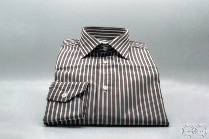 Camicia marrone uomo a righe bianche Denver collo italiano tessuto popeline cotone